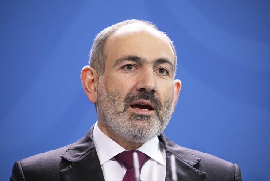 Армения объявила военное положение и всеобщую мобилизацию из-за событий в Карабахе