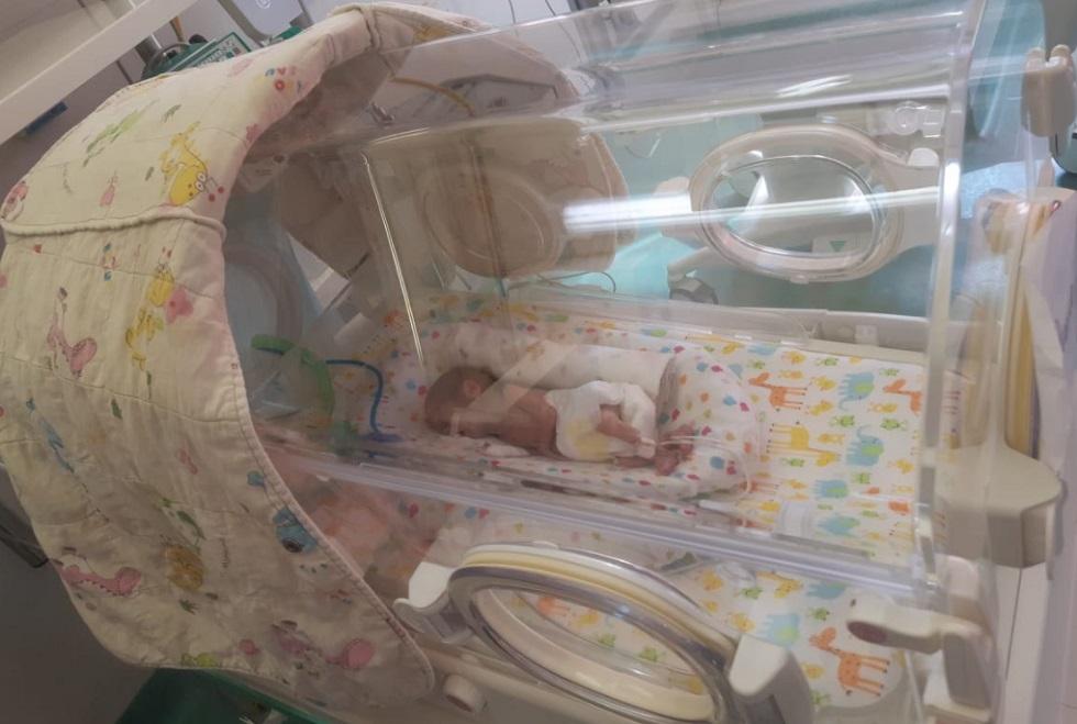 Алматинские врачи выходили недоношенных близнецов
