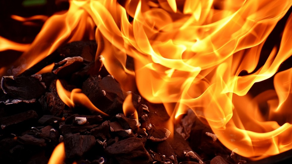 В Таразе пожар: погибли дети