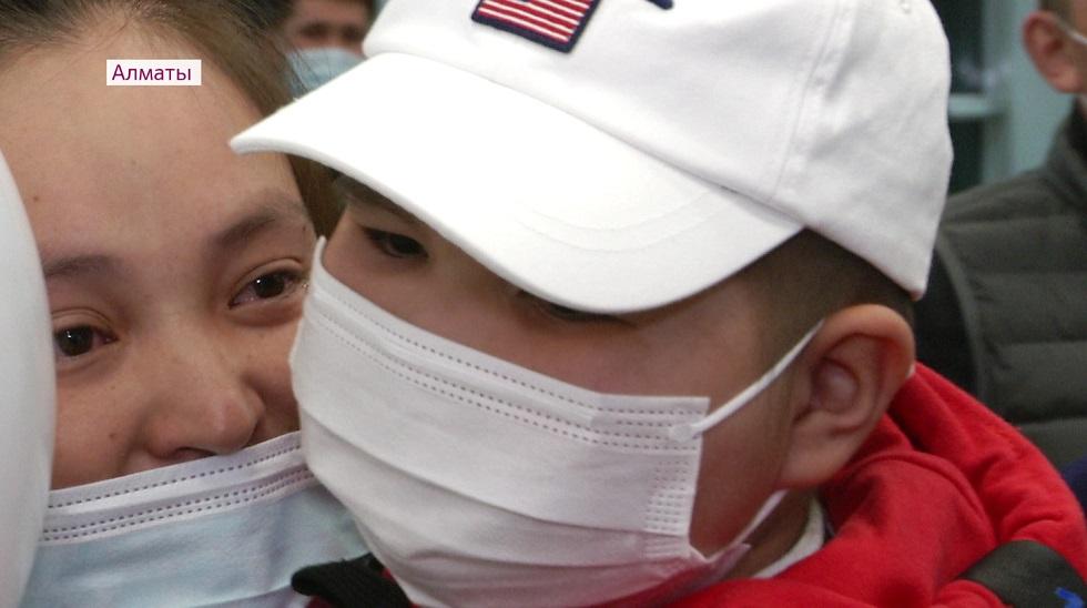 Шестилетний ребенок победил рак крови в Алматы