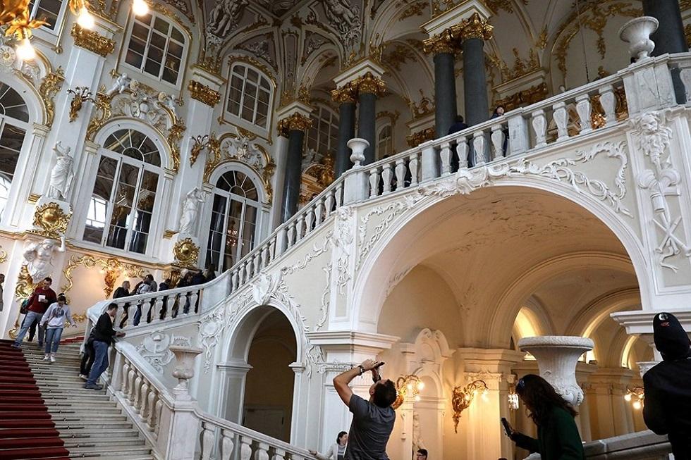 Один из крупнейших музеев принимает по 4 тыс. посетителей в день после возобновления работы
