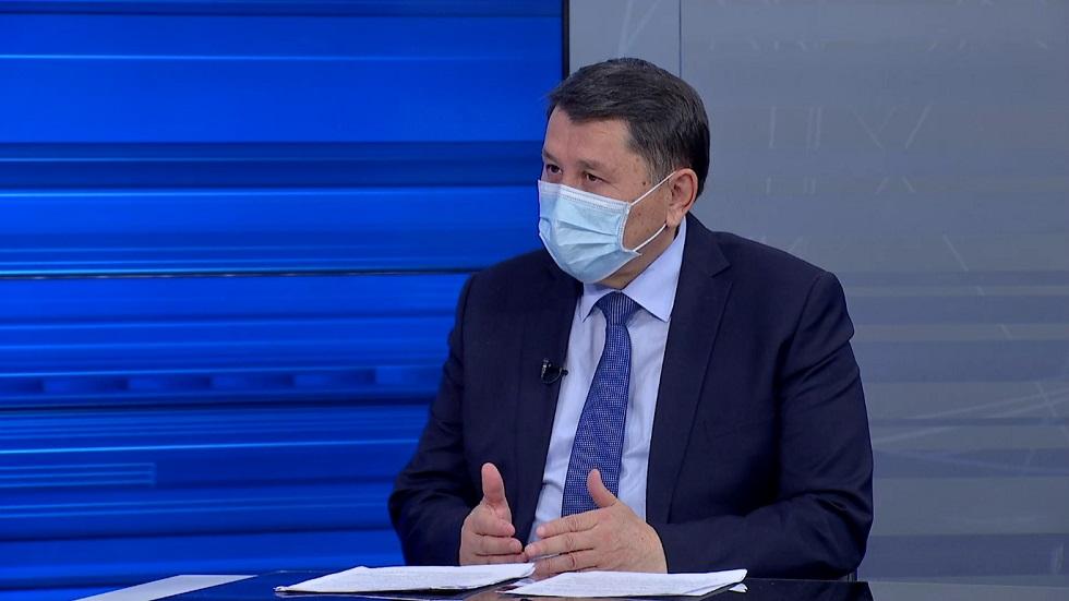 Жандарбек Бекшин ответил на вопросы горожан в эфире Akimat LIVE
