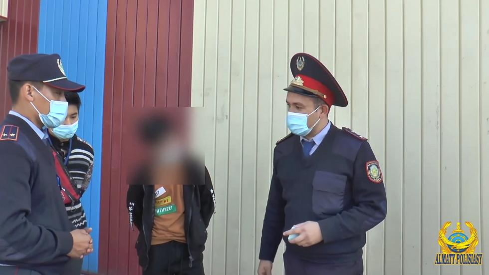 Полиция Алматы выявила несовершеннолетних, работающих на рынках