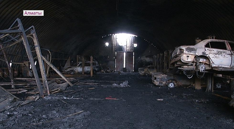 Пожар на СТО: владельцы сгоревших машин прокомментировали инцидент