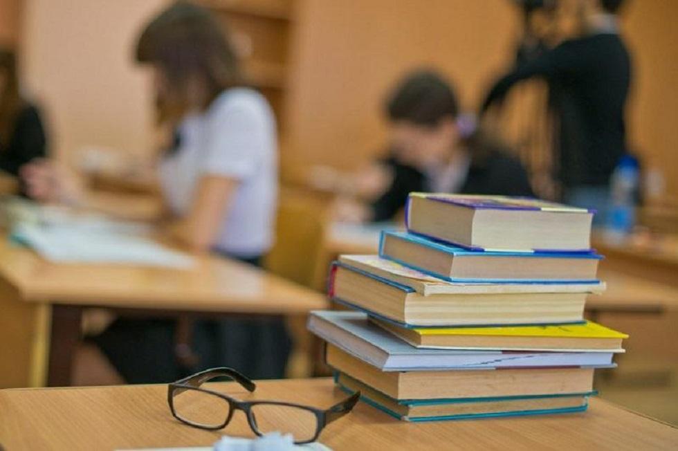 Учитель заразил школьников коронавирусом в Караганде