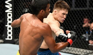 Второй бой казахстанца в UFC сорвался: названа причина