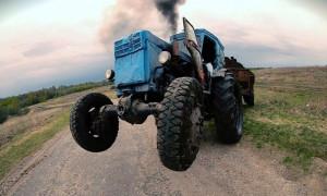 """Водитель-""""лишенник"""" снова сел за руль трактора в пьяном виде"""