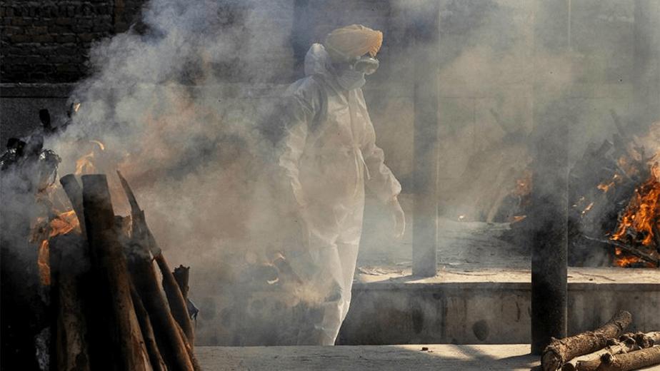 Непридуманная история: «умерший» от коронавируса вернулся домой после кремирования
