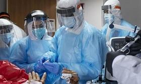 Коронавирус в мире: на пределе возможностей работают врачи в США и Европе