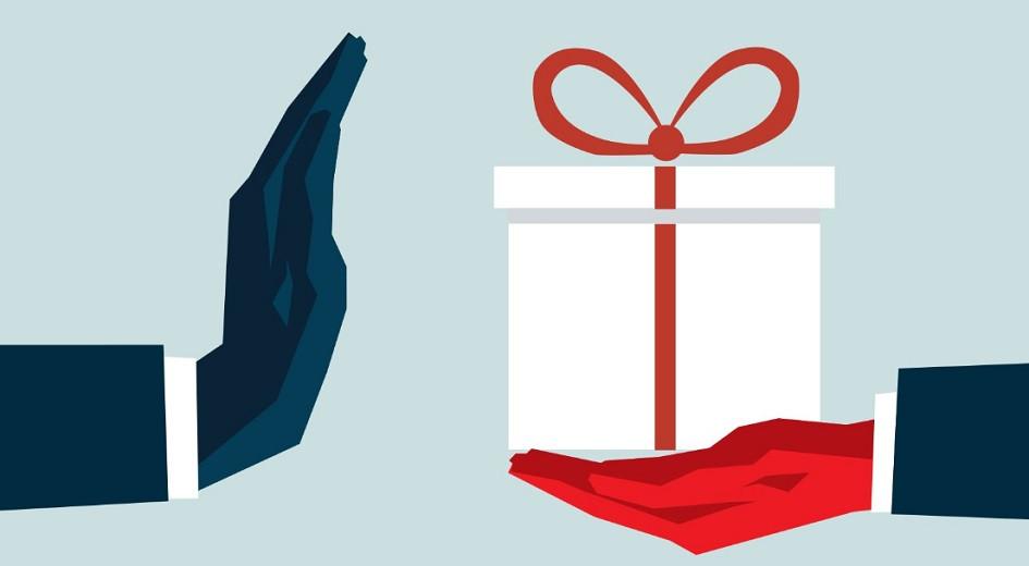 Госслужащие мегаполиса отказываются от подарков