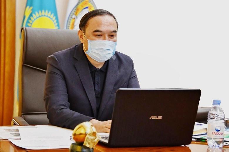Ержан Бабакумаров провел онлайн-совещание по снижению очереди в детсадах путем субсидирования затрат на питание