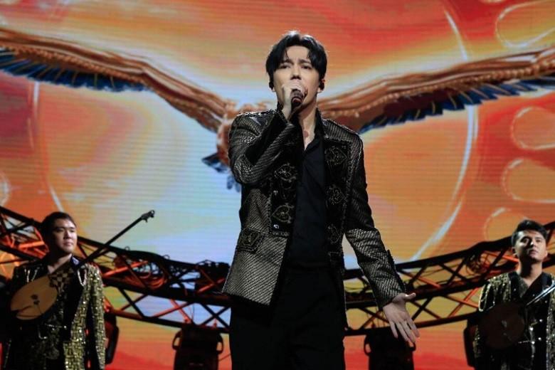 Димаш Кудайберген посвятил концерт Дню независимости Казахстана