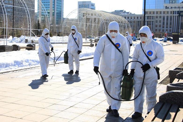 Около 2 000 военнослужащих заразились коронавирусом в Казахстане