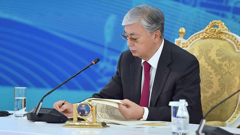 Токаев подписал закон по вопросам деятельности общественных советов