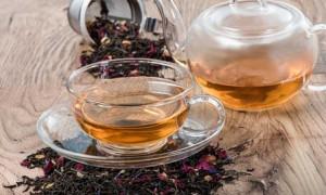 Положительный эффект: ученые назвали добавку к чаю, способную убивать раковые клетки