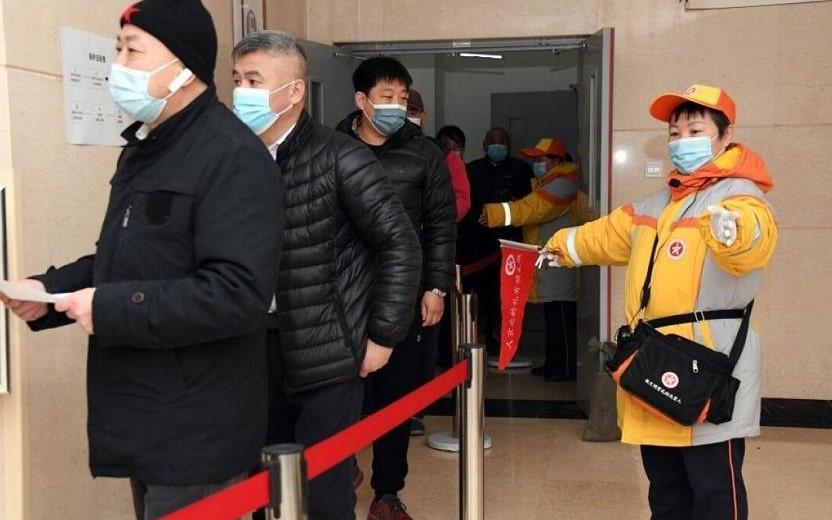 COVID-19 в мире: власти Китая вводят жесткий карантин еще в нескольких городах