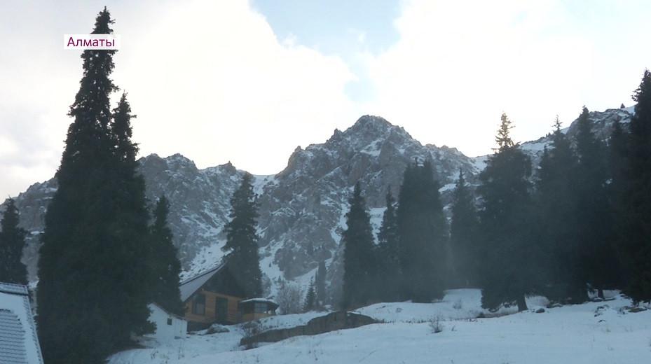 Алматинская федерация альпинизма организовала уникальный курс подготовки для скалолазов
