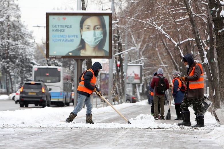 Информация по уборке снега в Алматы 13 января