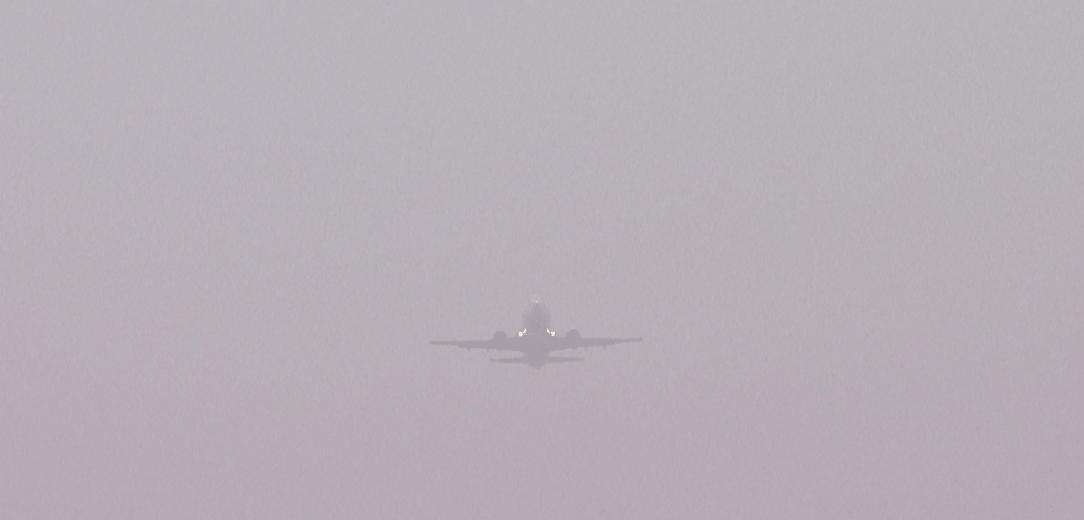 Летевший в Шымкент самолет вернулся в Алматы из-за непогоды