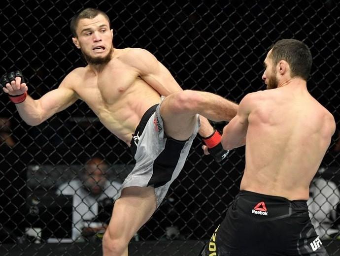 Казахстанский боец проиграл брату Хабиба в дебютном поединке в UFC