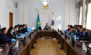 Аким Алматы Б. Сагинтаев обсудил с депутатами Мажилиса перспективы социально-экономического и инфраструктурного развития мегаполиса
