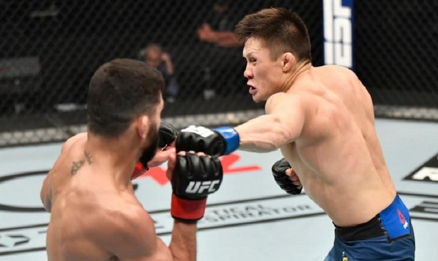 Жалгас Жумагулов потерпел второе поражение подряд в UFC