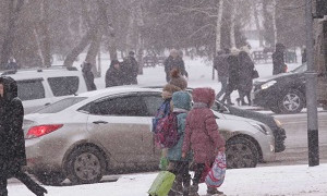 В Восточном Казахстане отменили занятия в школах и колледжах
