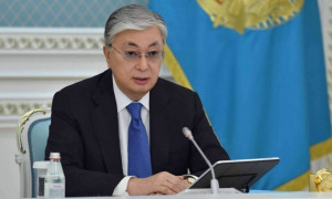 Мемлекет басшысы әкімдерге: Вакцинация мәселесінде дүрбелеңге жол бермеу керек