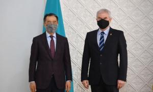Аким Алматы обсудил вопросы расширения взаимного сотрудничества в разных сферах с Послом Венгрии