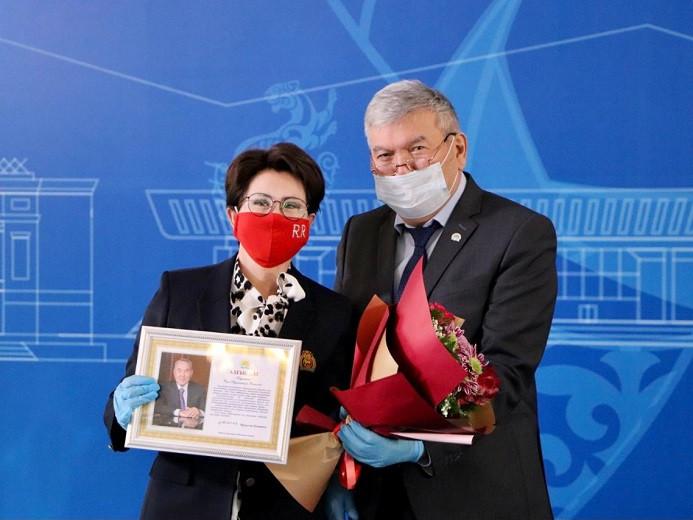 Благодарственные письма от Елбасы вручили жителям Алматы