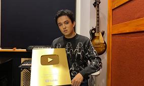 Димаш Кудайберген получил золотую кнопку YouTube