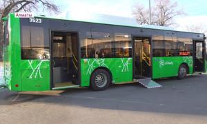 Большая вместимость, улучшенный кондиционер - новые автобусы в Алматы оценили водители