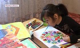 Необычная художница из Жамбылской области покоряет казахстанцев
