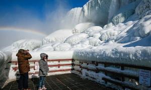 Ниагарский водопад замерз в США