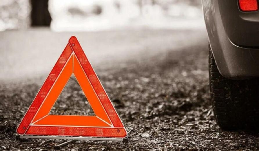 Два человека погибли, один серьезно пострадал в ДТП Алматинской области
