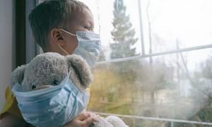 Симптомы COVID-19 у половины детей сохраняются месяцами - ученые