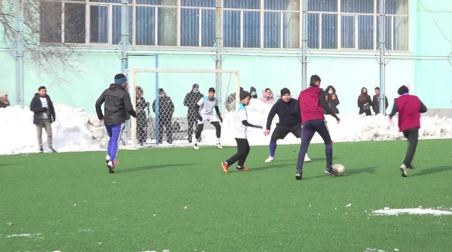 Казахстан - спортивная нация: сборная команда школы-интерната для одаренных детей победила на турнире по мини-футболу