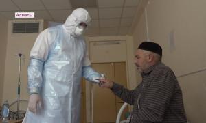 Алматинские медики спасли 54-летнего пациента с полным поражением легких