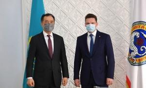 Б. Сагинтаев провел рабочую встречу с председателем правления Евразийского банка развития Н. Подгузовым