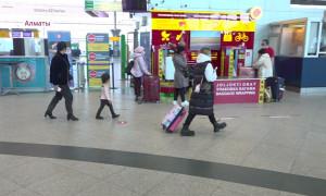 Отдыхающие за границей казахстанцы должны вернуться на родину с ПЦР-тестом