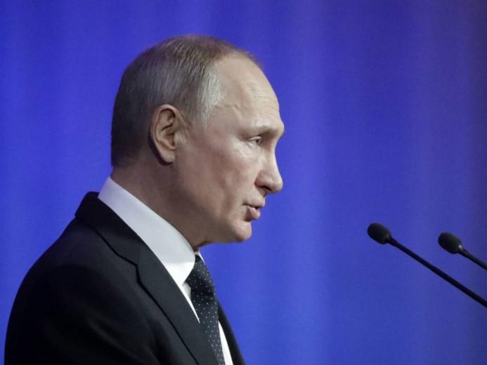 В России принят закон, позволяющий Путину баллотироваться еще на два президентских срока