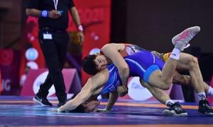 Казахстанские борцы завоевали 3 медали в первый день чемпионата Азии