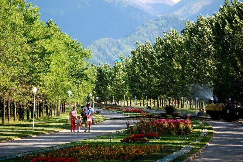 Бакытжан Сагинтаев: в рамках принципа «Город без окраин» в отдаленных районах строятся парки и скверы
