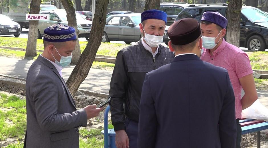 Религиозные служители Алматы вакцинировались от коронавируса