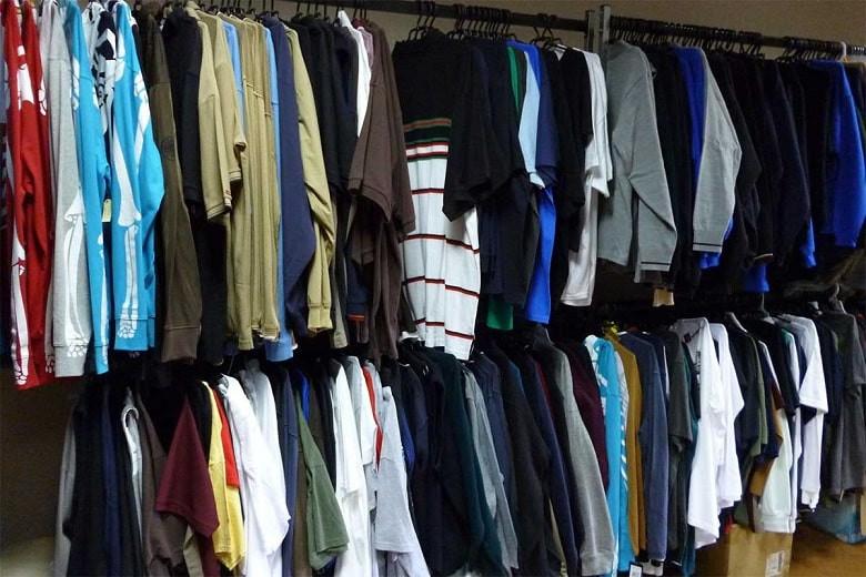 На казахстанское не рассчитываем: доля импорта на рынке одежды в стране составила 99,4%