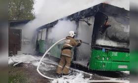 Әйгерім-2 шағынауданында жолаушылар автобусы өртеніп кетті