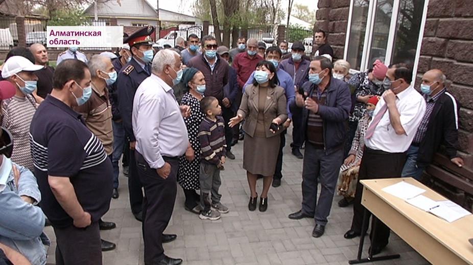 Запретили хоронить: жители села Карабулак пытаются вернуть кладбище, где покоятся их родственники