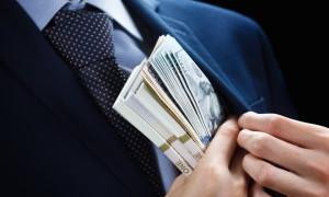 Уклонился от процентов, но не от правосудия: сотрудник банка в Туркестанской области присваивал части чужих кредитов