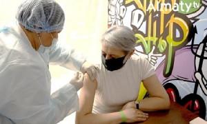 Вакцинация от COVID-19 в Алматы: факты, цифры, комментарии