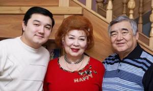 Известный композитор Ескендир Хасангалиев с супругой попал в реанимацию с COVID-19